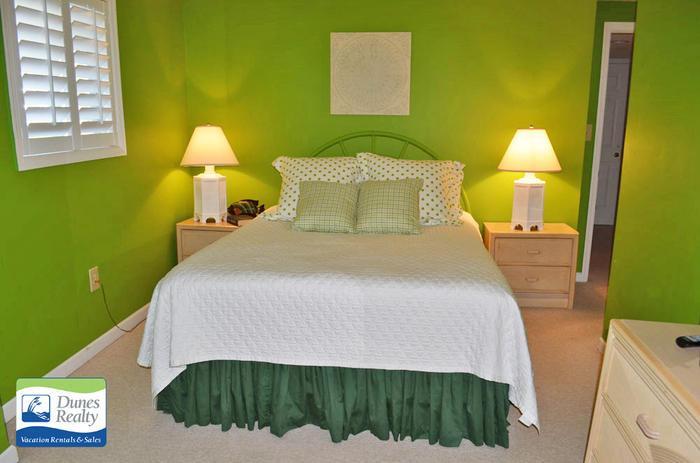 Bedroom4GreenQueen